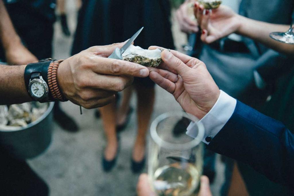 Oesterman---Oesters---feest---beurs---bruiloft---bedrijfsfeest---catering---oesterman-huren---oesterproeverij-(3)