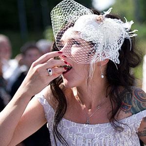 bruiloft, huwelijk, trouwen, weddingplanner, cateraar, oesters, oesters openen, oesterman, oesterman inhuren, oesterman op locatie